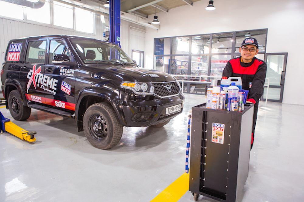 Liqui Moly Extreme Mongolia 4x4 road trip travel rental car preparation and maintenance in Ulaanbaatar