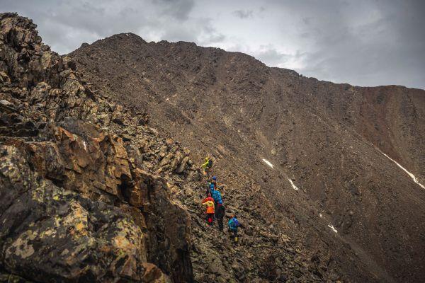 Tsagaan Shuvuut (White Bird) Mountain