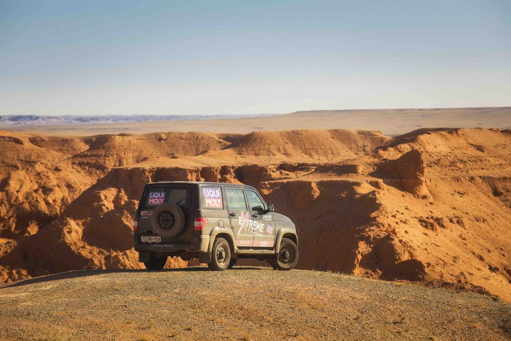 Liqui Moly Extreme Mongolia 4x4 roadtrip travel journey to Flaming Cliffs Bayanzac Gobi desert