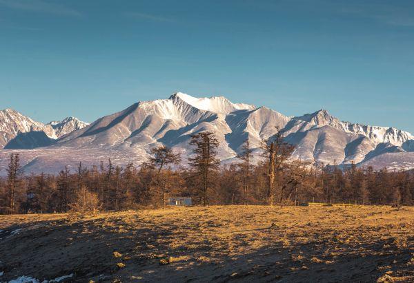 Munkh Saridag Mountain