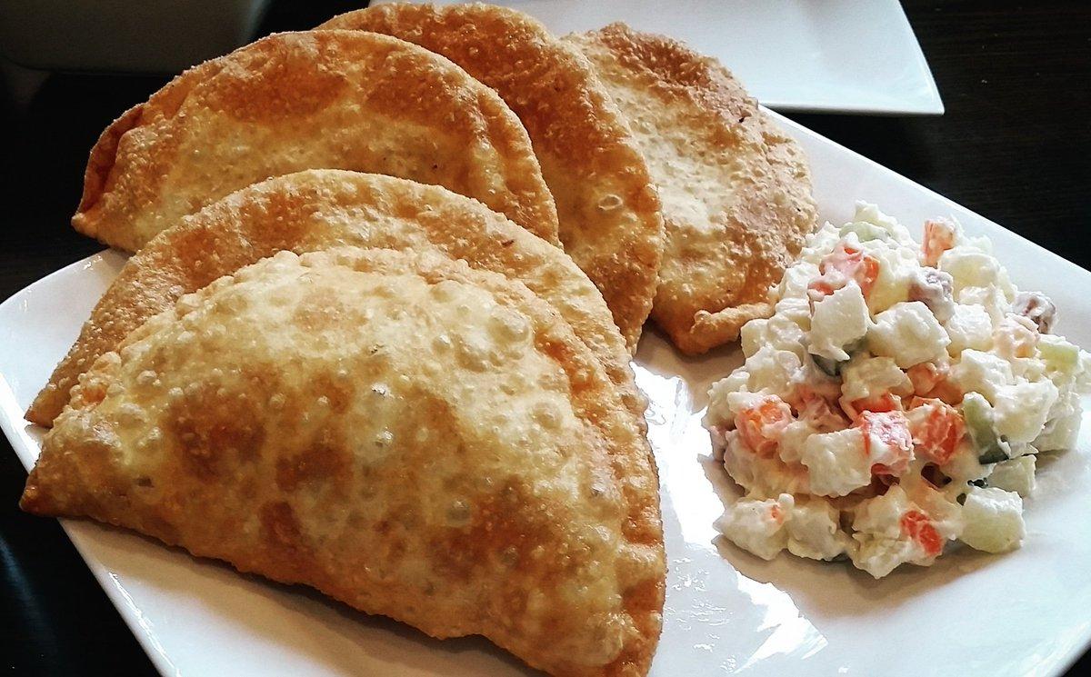 Khuuushuur mongolische Gerichte